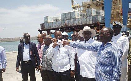 Museveni at Mombasa port