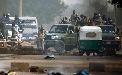 Khartoum residents 'living in fear'
