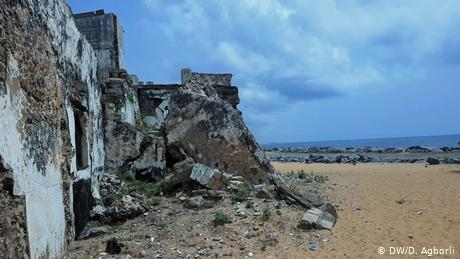The walls of Fort Prinzenstein crumble onto the beach